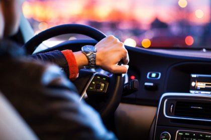 часов за рулем