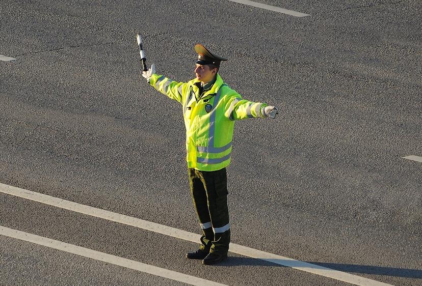 сигналы регулировщика для водителей